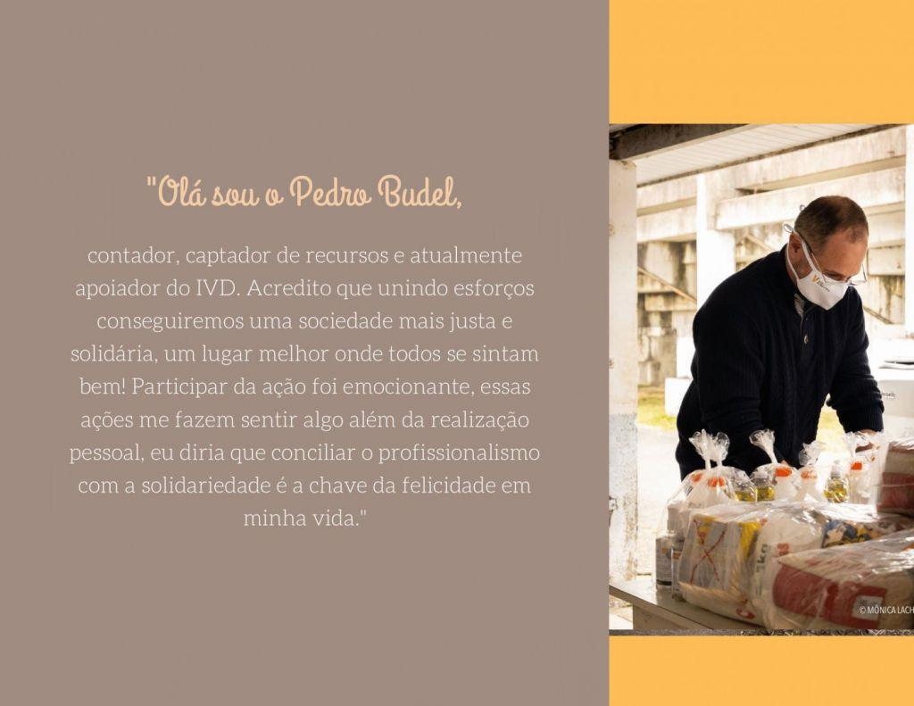 Brochura a Roxo e Pessego com Fotografia 2